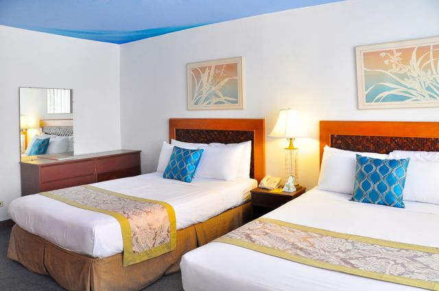 Waikiki_Holiday Surf Hotel_Studio Quad 02