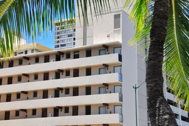 Waikiki_Holiday Surf  Suites 02