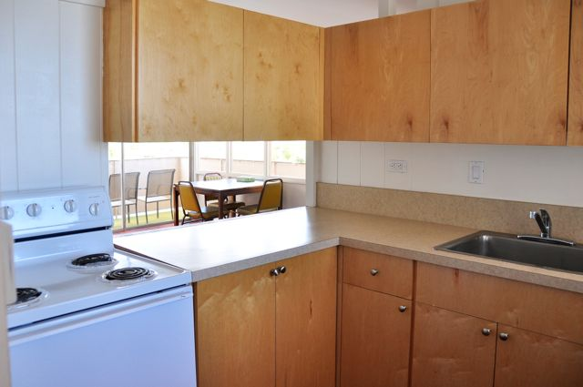 Waikiki_Holiday Surf  Suites_One Bedroom Apartment 06